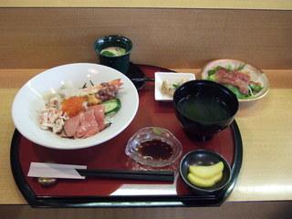 2010_1214海鮮丼.JPG